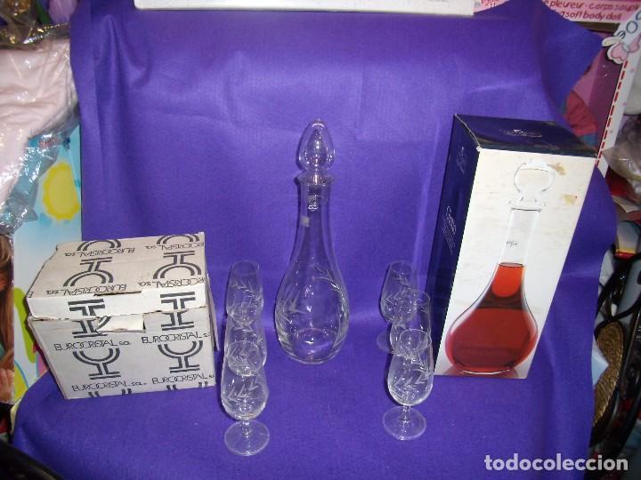 Antigüedades: Juego licor 6 copas y licorera, cristal tallado al ácido, fabricado en Italia, años 70, Nuevo. - Foto 6 - 104710055