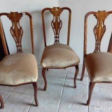 Antigüedades: CUATRO SILLAS DE CAOBA, RESPALDO CON ADORNOS DE MARQUETERIA, CERCA DE 1.920. Lote 104776779