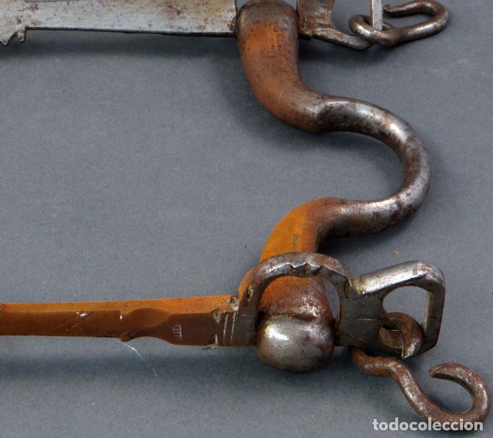 Antigüedades: Bocado para caballos de hierro forjado principios del siglo XIX - Foto 2 - 104796447