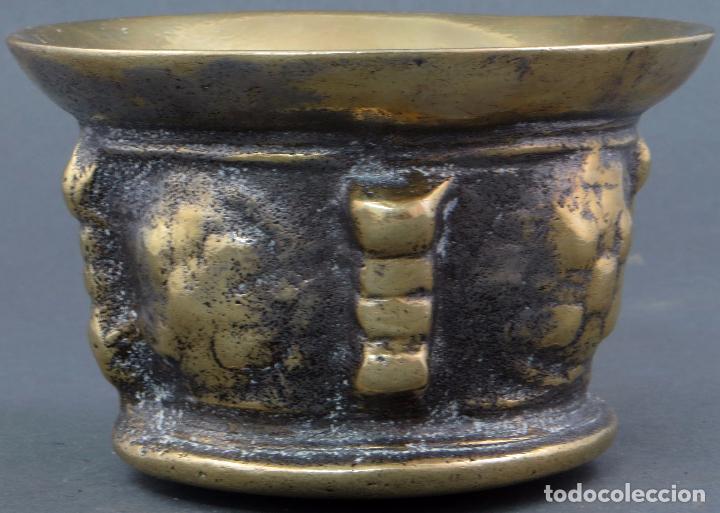 Antigüedades: Almirez mortero de costillas de bronce dorado sin mano siglo XIX - Foto 3 - 104800883