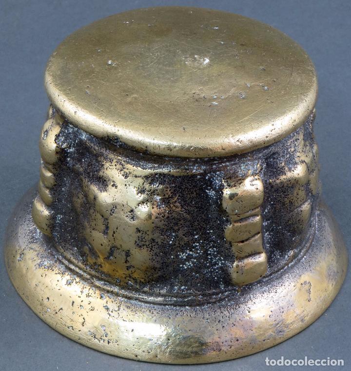 Antigüedades: Almirez mortero de costillas de bronce dorado sin mano siglo XIX - Foto 5 - 104800883
