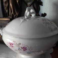 Antigüedades: SOPERA GRANDE PORCELANA. Lote 104823859
