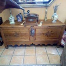 Antigüedades: ARCA CASTELLANO MANCHEGA, SIGLO XIX.. Lote 104858746