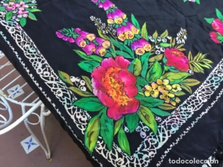 Antigüedades: Antiguo mantón de seda natural estampado con fleco - Foto 3 - 104864223