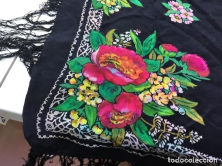 Antigüedades: Antiguo mantón de seda natural estampado con fleco - Foto 4 - 104864223