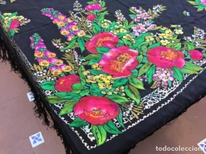 Antigüedades: Antiguo mantón de seda natural estampado con fleco - Foto 5 - 104864223