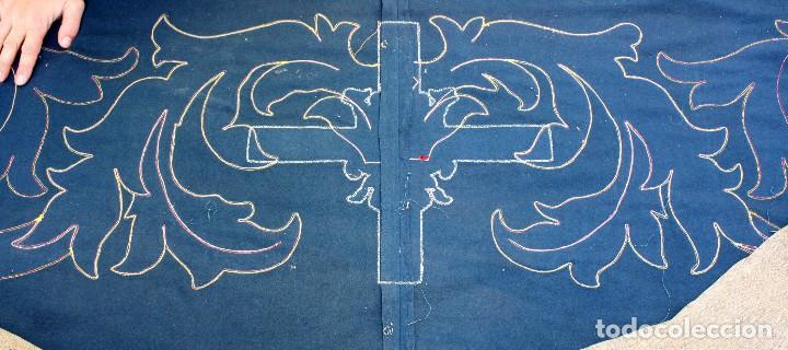 Antigüedades: ESPECTACULAR TAPIZ O REPOSTERO CON ESCUDO DE CASTILLA Y LEON. 390 X 240 CM. MILITAR - Foto 19 - 104874643