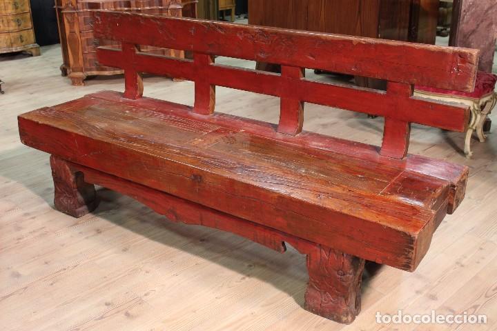 Antigüedades: Juego de dos bancos con una mesa lacados - Foto 7 - 104880743