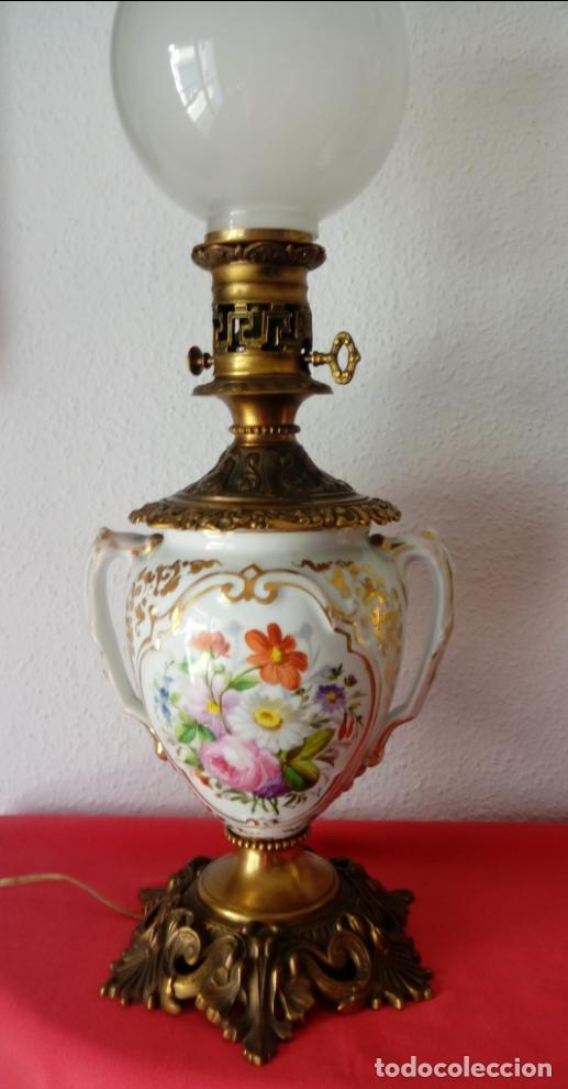 Antigüedades: PAREJA DE JARRONES ADAPTADOS PARA LÁMPARAS DE PORCELANA VIEJO PARÍS S. XIX. 73 CMS DE ALTO, MIDIENDO - Foto 2 - 104904183