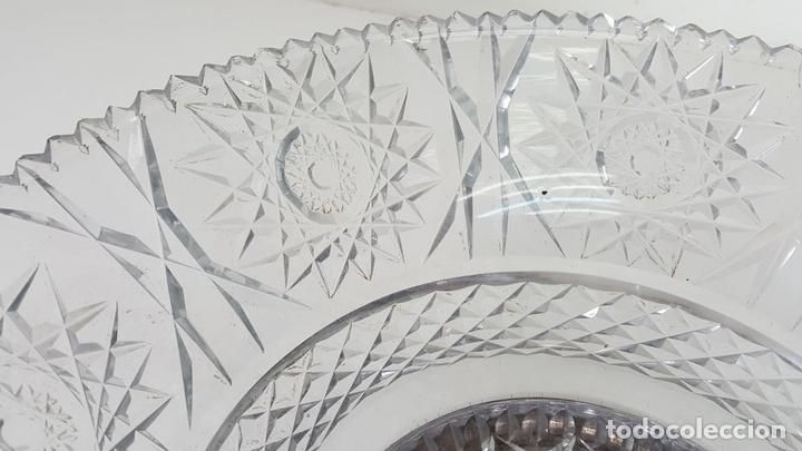 Antigüedades: CENTRO DE MESA. CRISTAL TALLADO. BASE DE PLATA. CIRCA 1960. - Foto 7 - 104881551