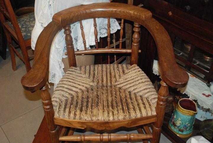Antigüedades: MUY BONITA PAREJA DE SILLAS BUTACAS DE ROBLE CON ASIENTO DE ENEA - Foto 2 - 104942007