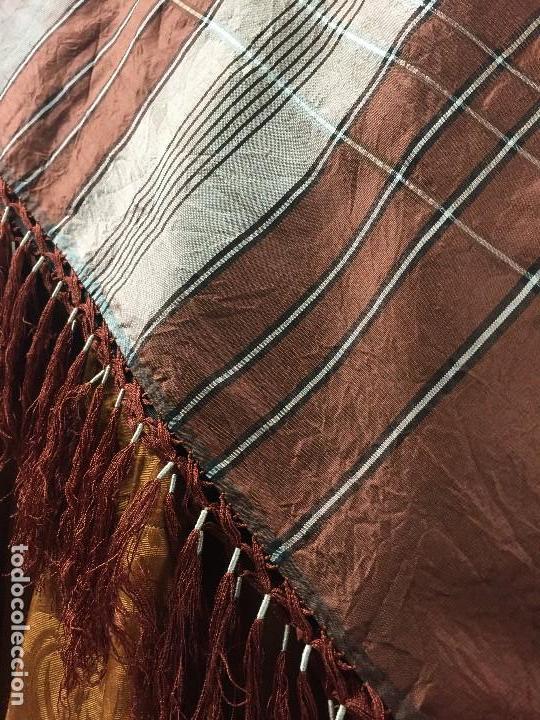 Antigüedades: Antigua granadina. Mantón de seda - Foto 2 - 104945315