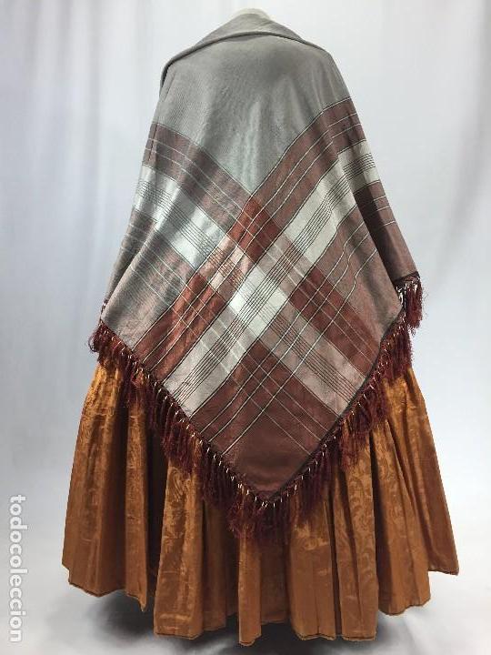 Antigüedades: Antigua granadina. Mantón de seda - Foto 4 - 104945315