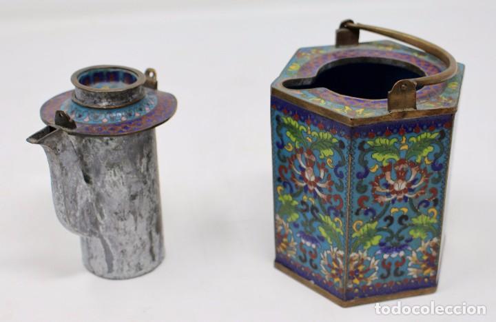 HERMOSA Y ORIGINAL TETERA CLOISONNE ,CHINA .S XIX. 11,9 CM X 10 CM X 8,5 CM. (Antigüedades - Porcelanas y Cerámicas - China)
