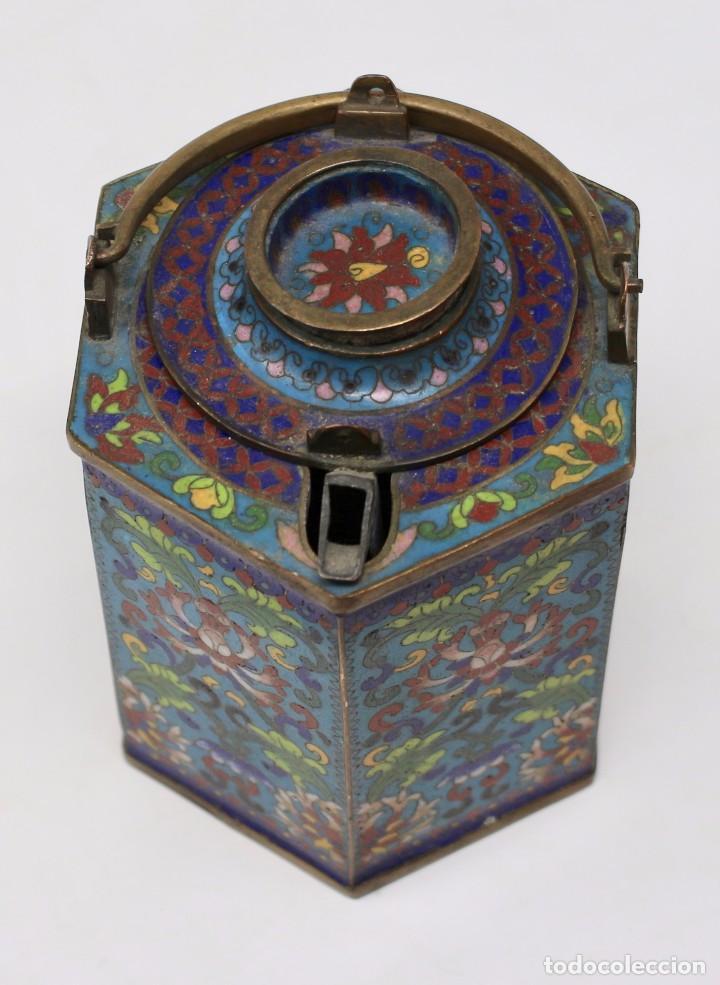 Antigüedades: HERMOSA Y ORIGINAL TETERA CLOISONNE ,CHINA .S XIX. 11,9 cm x 10 cm X 8,5 cm. - Foto 6 - 104952827
