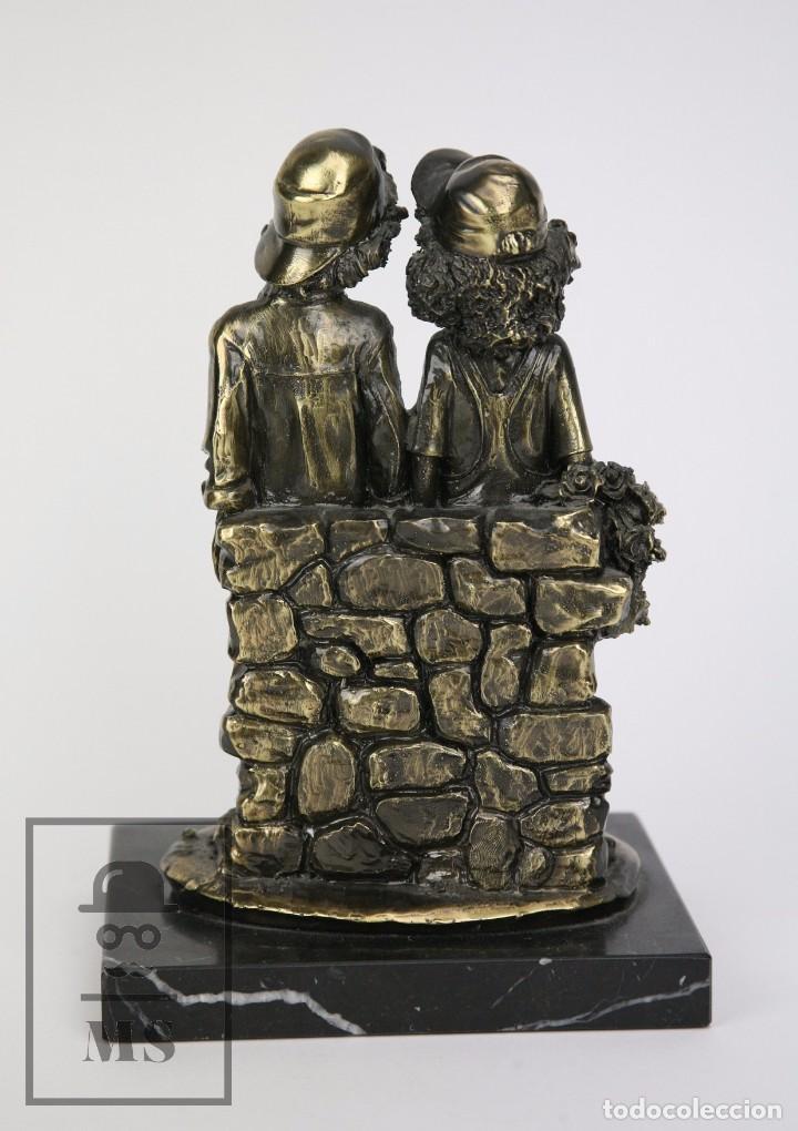 Antigüedades: Escultura de Resina y Bronce Sobre Peana de Mármol Negro - Niños con Flores - Loga Art - Foto 6 - 104957743