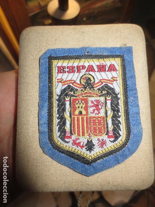 ANTIGUO ESCUDO DE TELA ESPAÑA EMBLEMA DE GOBIERNO DE FRANCO (Antigüedades - Varios)