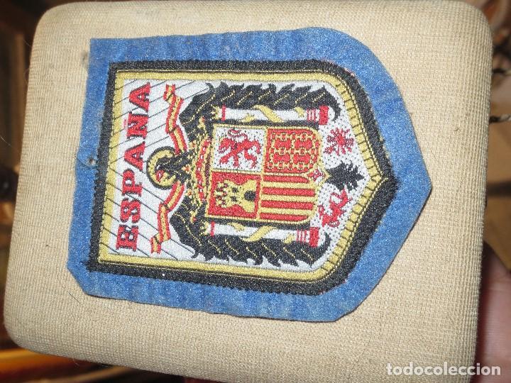 Antigüedades: ANTIGUO ESCUDO DE TELA ESPAÑA EMBLEMA DE GOBIERNO DE FRANCO - Foto 2 - 105072267