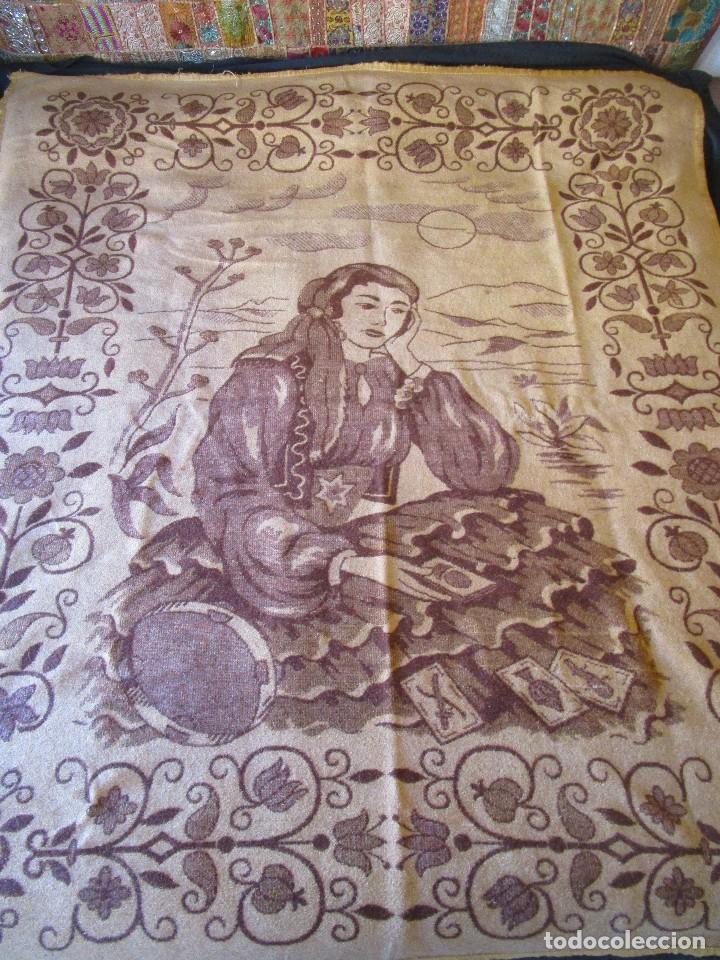 ANTIGUA MANTA DE LANA TEMA JUEGO CARTAS 220 CM X 190 CM (Antigüedades - Hogar y Decoración - Colchas Antiguas)