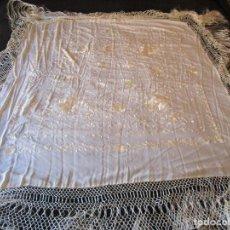 Antigüedades: MANTON MANILA BLANCO MARFIL CON BORDADO. Lote 105078167