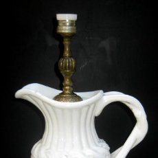 Antigüedades: RARA LAMPARA EN CERAMICA DE MANISES CIRCA 1920 CON FORMA DE JARRA . Lote 105122971