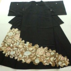 Antiquitäten - ANTIGUO ARTESANIA JAPON, Kimono japones , color negro Tomesode / kurotomesode, MUJER , SEDA, FLORES - 105156991