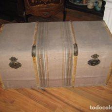 Antigüedades: BAÚL GRANDE FORRADO TELA MEDIDA 100 X 50 CM. ALTURA 43 CM. BUEN ESTADO, BAJO ALGO DE HUMEDAD. Lote 105188715