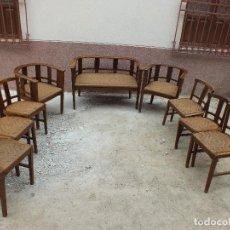 Antigüedades: COMPLETO CONJUNTO DE SILLERIA CON SILLONES Y TRESILLO EN MUY BUEN ESTADO. Lote 105229459