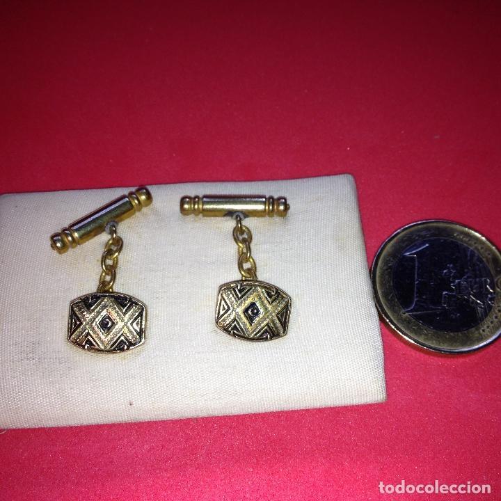Antigüedades: ANTIGUOS Y ELEGANTES GEMELOS - DAMASQUINADO TOLEDANO - ORO 24 K. INCRUSTADO - Foto 3 - 105237031