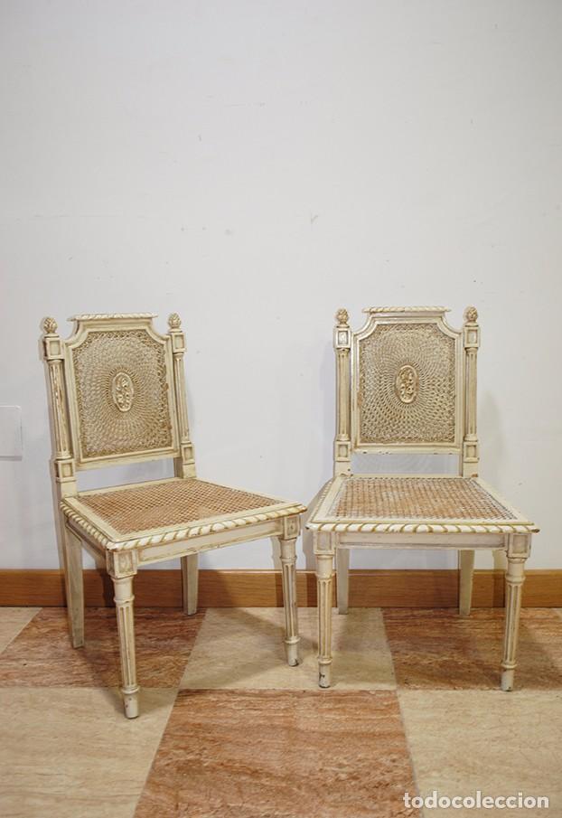 Antigüedades: ANTIGUA PAREJA DE SILLAS DE REJILLA Y MADERA LACADA - Foto 4 - 105238655