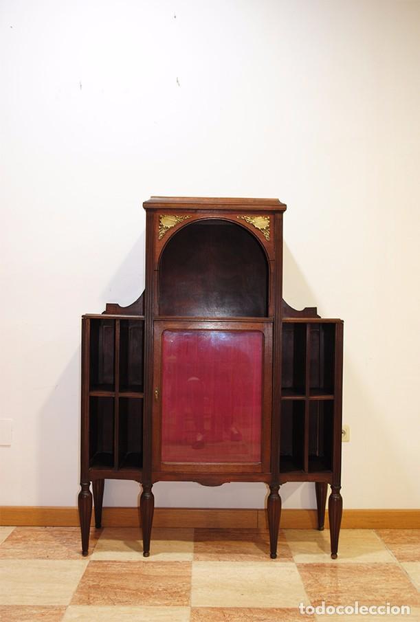 ANTIGUO MUEBLE CON VITRINA EN MADERA DE CAOBA (Antigüedades - Muebles Antiguos - Vitrinas Antiguos)