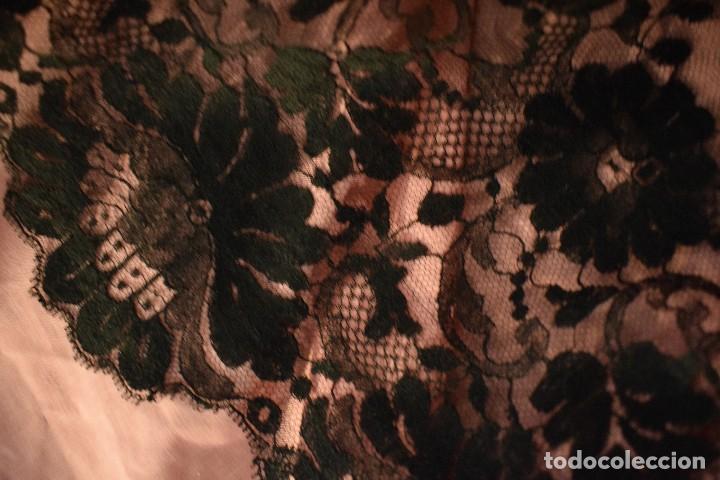 Antigüedades: Mantilla antigua Doble blonda tamaño grande perfecto estado - Foto 10 - 105259391