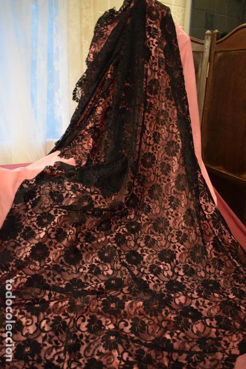 MANTILLA ANTIGUA DOBLE BLONDA TAMAÑO GRANDE PERFECTO ESTADO (Antigüedades - Moda - Mantillas)