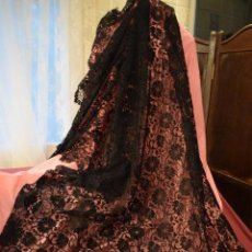 Antigüedades: MANTILLA ANTIGUA DOBLE BLONDA TAMAÑO GRANDE PERFECTO ESTADO. Lote 105259391