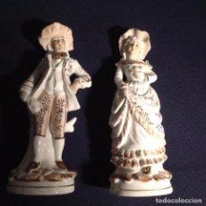 Antigüedades: PAREJA DE FIGURAS DE PORCELANA. Lote 105268087