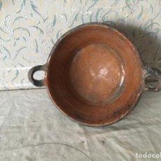 Antigüedades: CAZUELA BARRO USADA ANTIGUAMENTE PARA COCINAR CON DOS ASAS. Lote 105276199