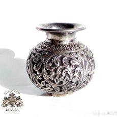 Antigüedades: JARRONCITO DE PLATA 8 CM DE ALTO EN PLATA REPUJADA 160 GRAMOS. Lote 105296095