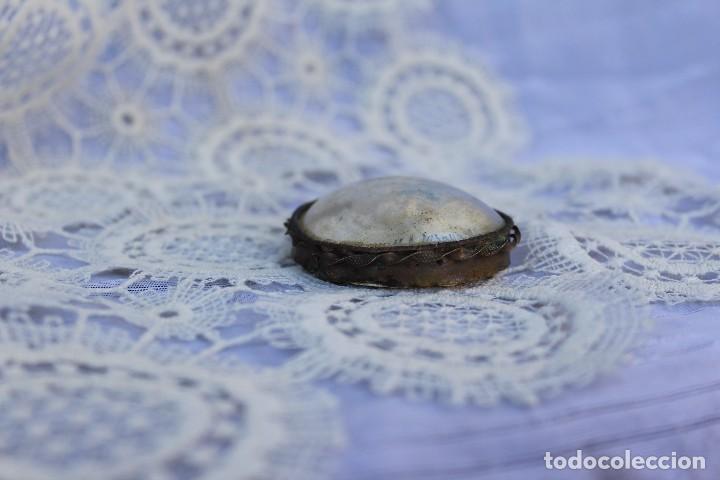 Antigüedades: GRAN MEDALLÓN RELICARIO DE LA VIRGEN DE LOURDES ESPUMA DE MAR DIAMETRO 5,5 CM SIGLO XIX - Foto 5 - 105327711