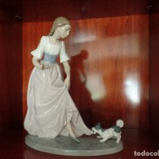 Antigüedades: NIÑA CON PERRITO NAO LLADRO. Lote 105337659