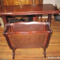 Antigüedades - 30 % de descuento, recogida tienda sin embalar. Mesita revistero de madera, con rejilla. - 105437367