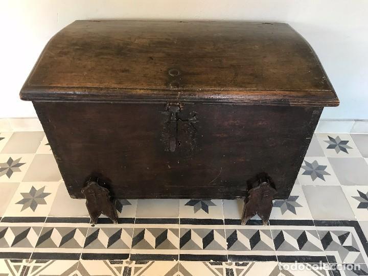 PRECIOSA ARCA DE CEDRO XVI (Antigüedades - Muebles Antiguos - Baúles Antiguos)