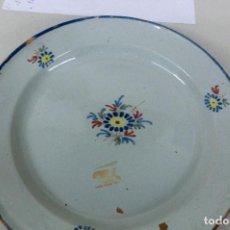 Antigüedades: PLATO DE ALCORA . Lote 105583659