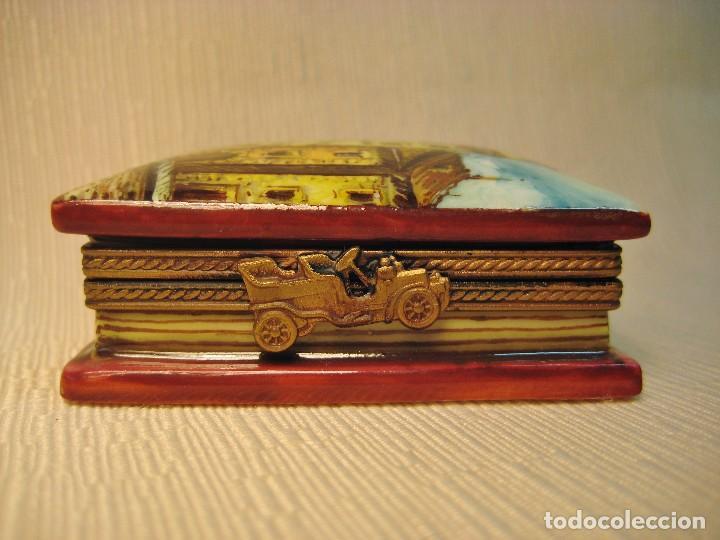 Antigüedades: CAJA DE PORCELANA DE LIMOGES PINTADA A MANO. LIBRO PEQUEÑO. APUNTES DE VITORIA - Foto 3 - 105587007