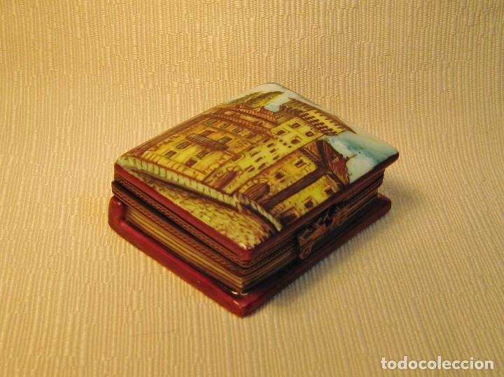 Antigüedades: CAJA DE PORCELANA DE LIMOGES PINTADA A MANO. LIBRO PEQUEÑO. APUNTES DE VITORIA - Foto 7 - 105587007