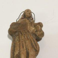 Antigüedades: ANTIGUA ESCULTURA MADERA O HUESO. Lote 105597510