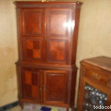 Antigüedades: MUEBLE BAR ESQUINERO ESPEJO CRISTAL ELECTRIFICADO MADERA NOBLE. Lote 105675795