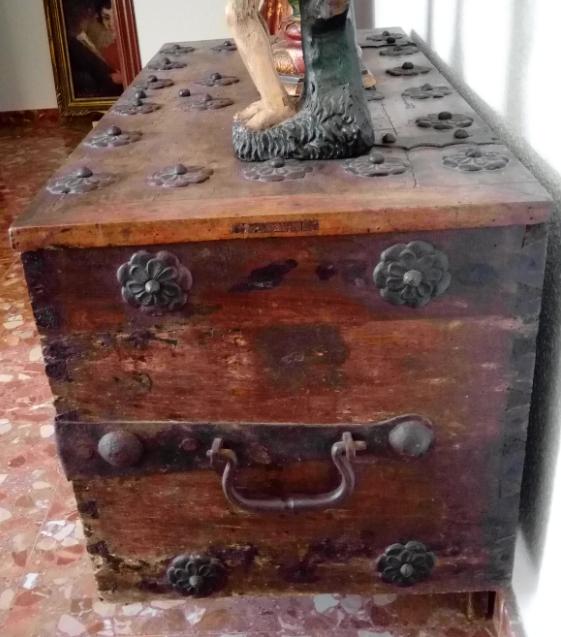 Antigüedades: BAÚL O ARCA S. XVII, EN MADERA DE NOGAL Y FORJA. DIM.- 112X51CMS Y 67 CMS ALTO - Foto 10 - 56540091
