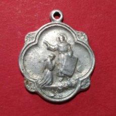 Antigüedades: MEDALLA DE SAN FRANCISCO DE ASÍS. 2,1 X 2,1 CM.. Lote 105728867