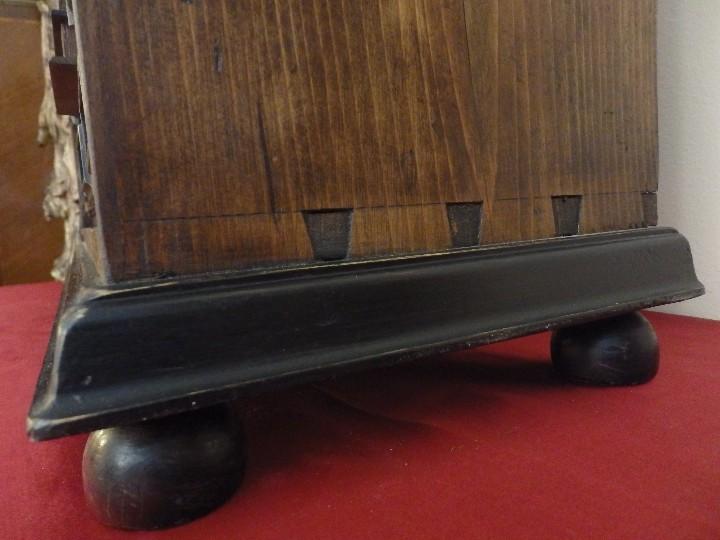 Antigüedades: Bargueño español en madera con decoración de placas de carey. - Foto 14 - 105763167