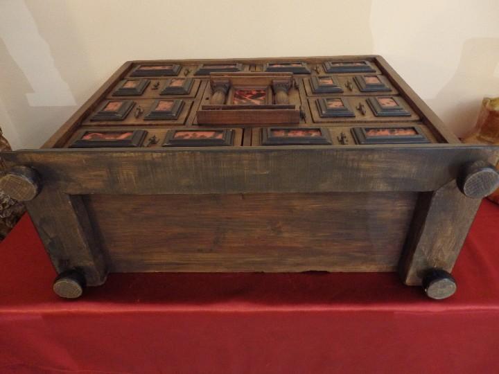Antigüedades: Bargueño español en madera con decoración de placas de carey. - Foto 16 - 105763167